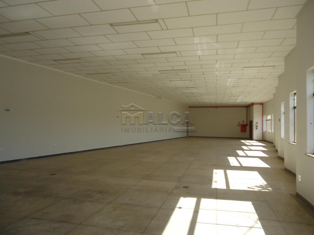 Alugar Comerciais / Salões em São José do Rio Pardo apenas R$ 4.700,00 - Foto 8