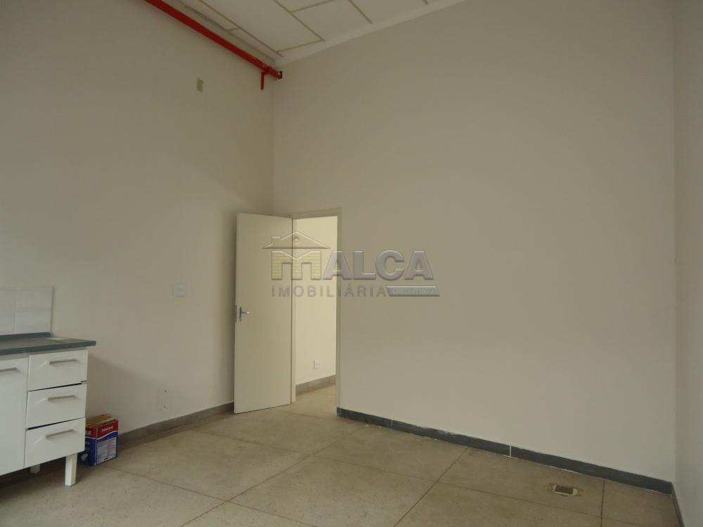 Alugar Comerciais / Salões em São José do Rio Pardo apenas R$ 4.700,00 - Foto 18