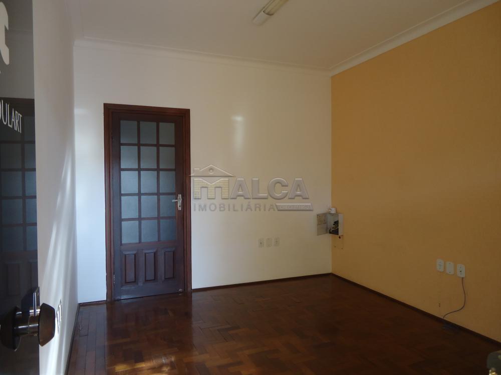 Alugar Casas / Padrão em São José do Rio Pardo R$ 1.700,00 - Foto 5