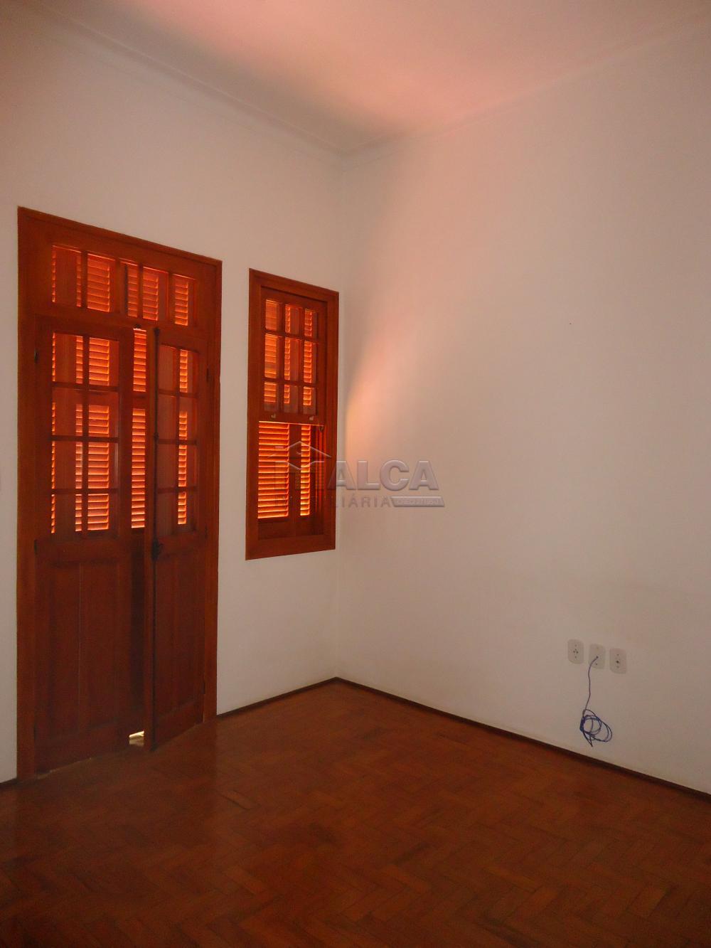 Alugar Casas / Padrão em São José do Rio Pardo R$ 1.700,00 - Foto 18