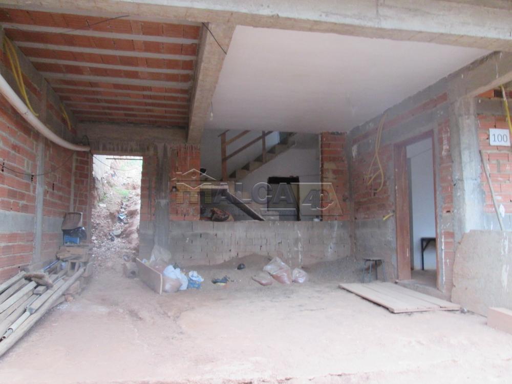 Comprar Casas / Sobrado em São José do Rio Pardo R$ 270.000,00 - Foto 2