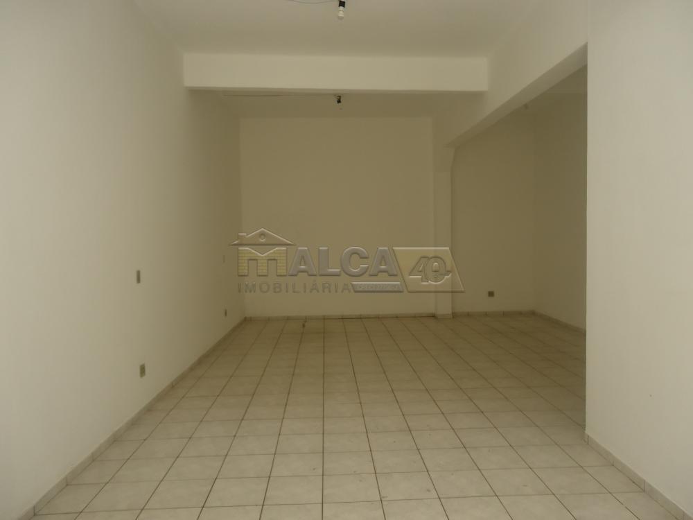Alugar Comerciais / Salões em São José do Rio Pardo R$ 700,00 - Foto 4