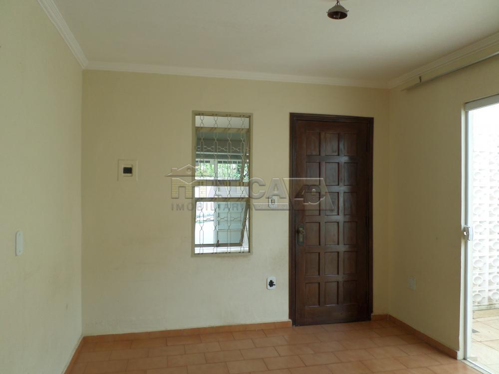 Alugar Casas / Padrão em São José do Rio Pardo apenas R$ 800,00 - Foto 2