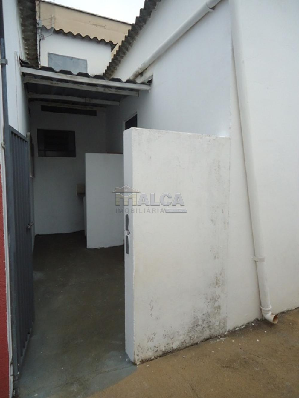 Alugar Casas / Padrão em São José do Rio Pardo R$ 800,00 - Foto 4
