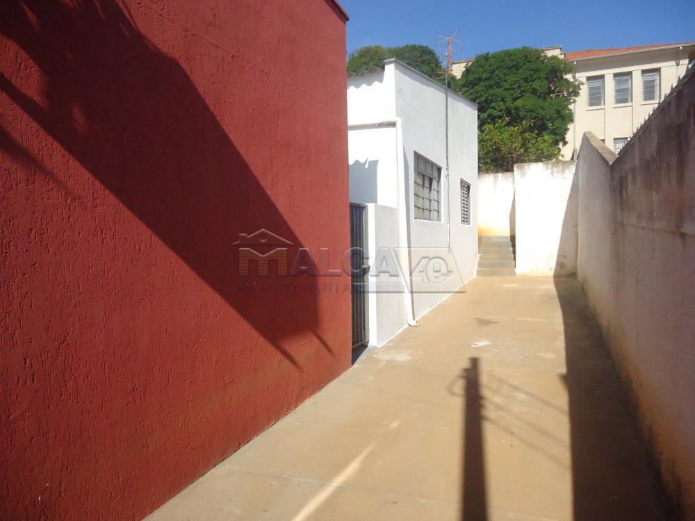 Alugar Casas / Padrão em São José do Rio Pardo R$ 800,00 - Foto 3