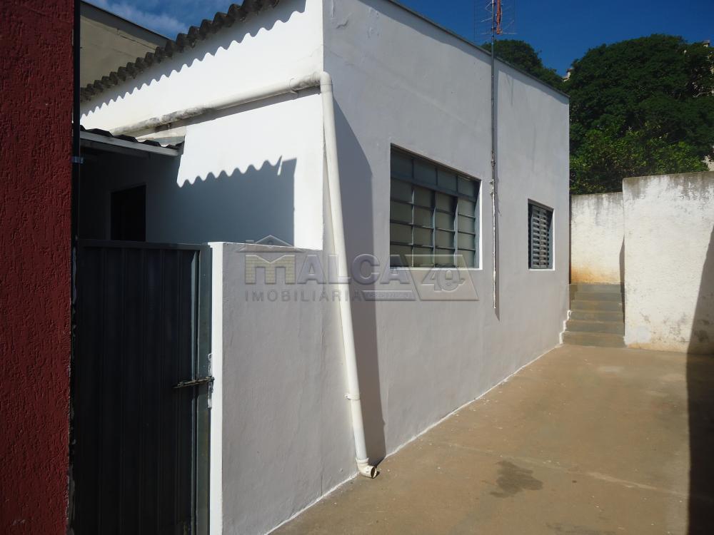 Alugar Casas / Padrão em São José do Rio Pardo R$ 800,00 - Foto 13