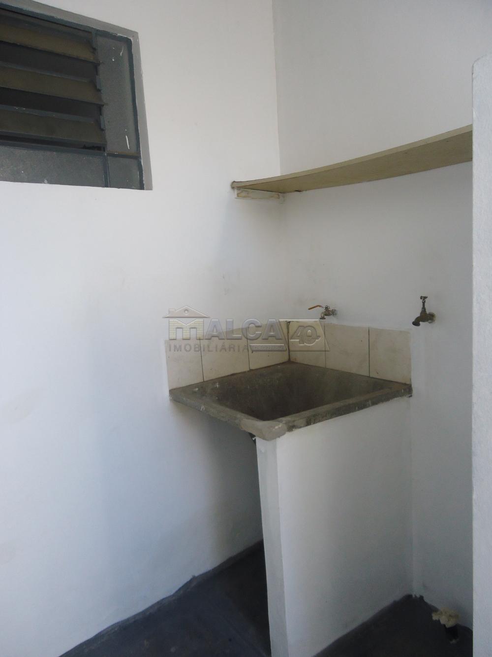 Alugar Casas / Padrão em São José do Rio Pardo R$ 800,00 - Foto 5