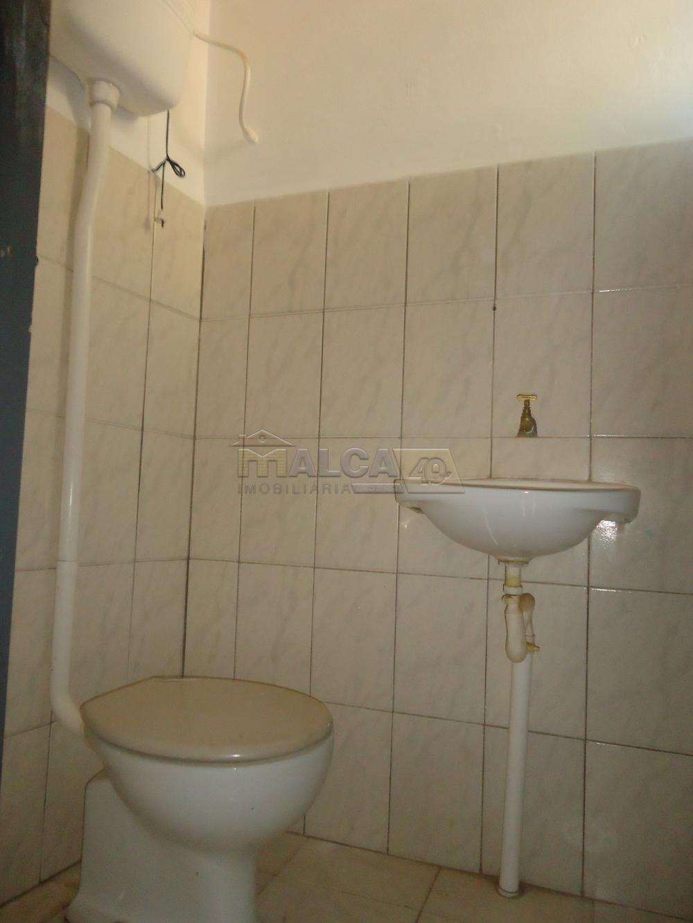 Alugar Casas / Padrão em São José do Rio Pardo R$ 800,00 - Foto 12