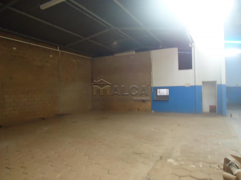 Alugar Comerciais / Barracões em São José do Rio Pardo apenas R$ 2.200,00 - Foto 13