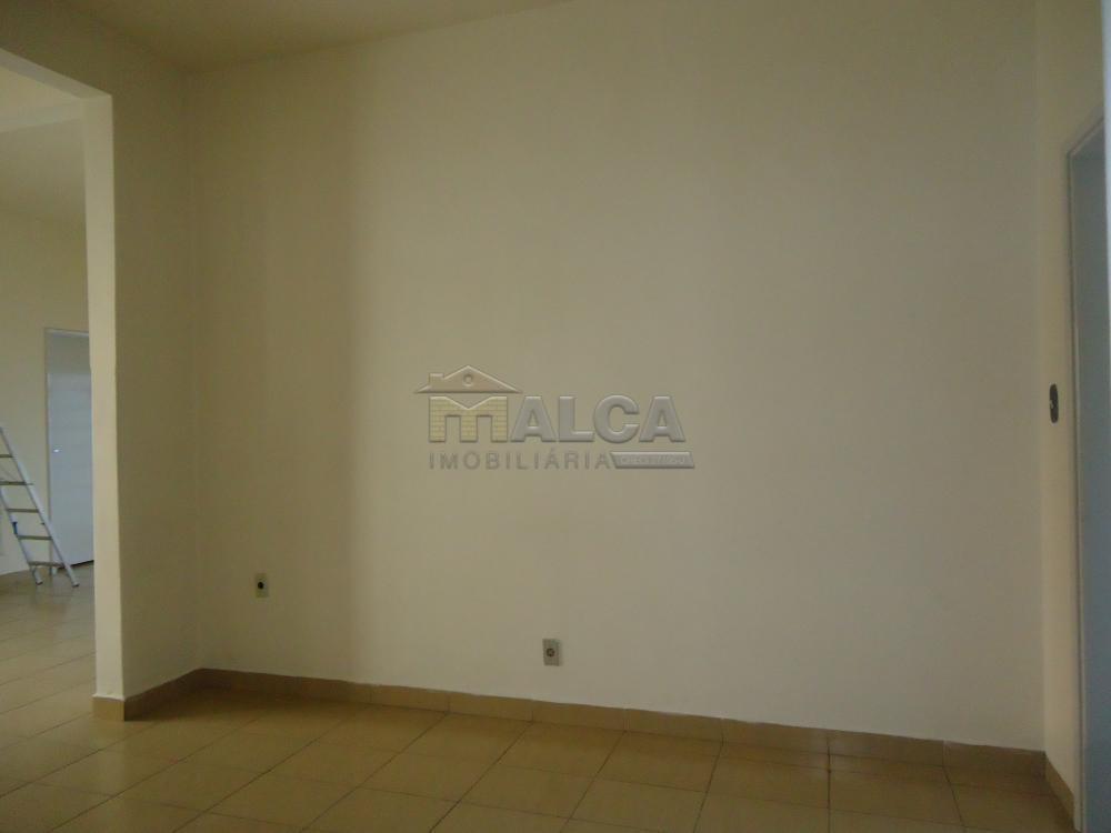 Alugar Casas / Padrão em São José do Rio Pardo R$ 2.000,00 - Foto 13