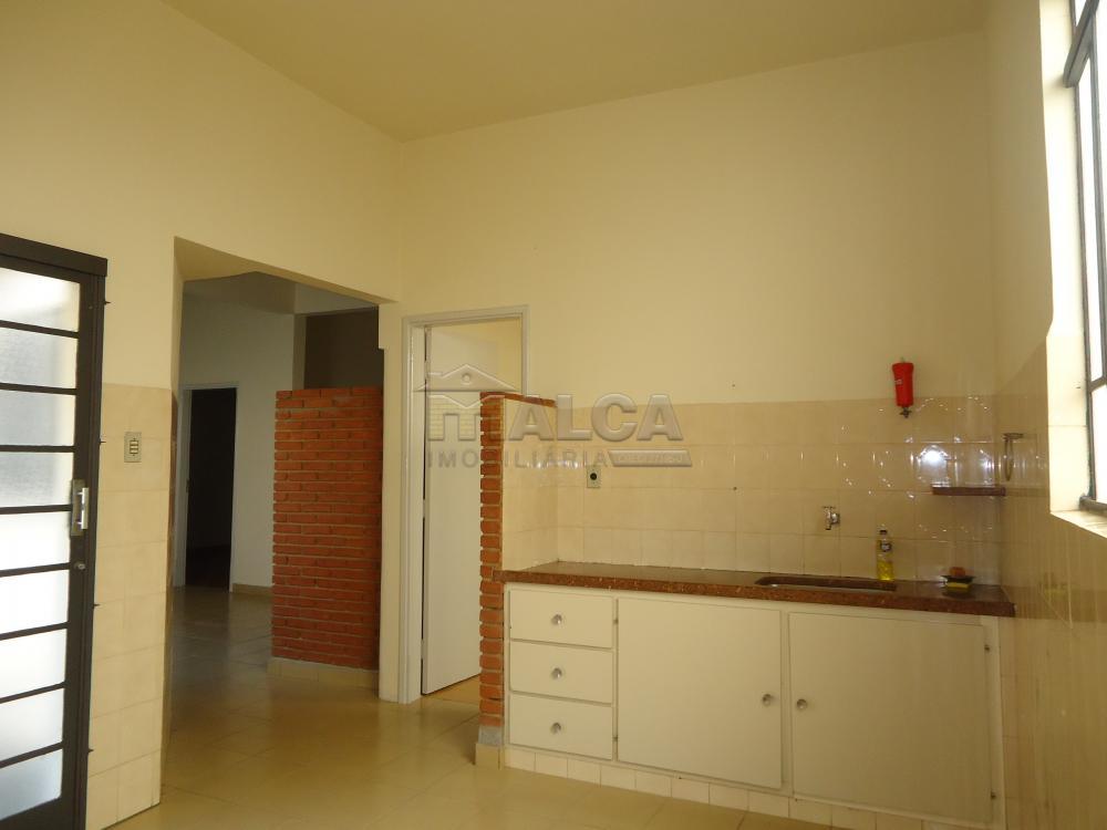 Alugar Casas / Padrão em São José do Rio Pardo R$ 2.000,00 - Foto 31