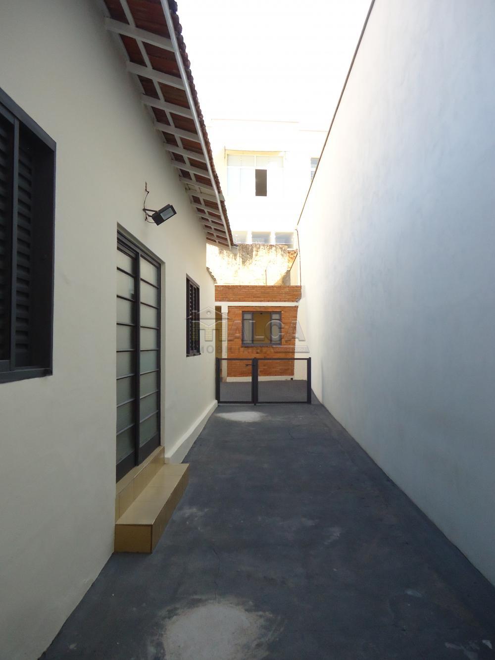 Alugar Casas / Padrão em São José do Rio Pardo R$ 2.000,00 - Foto 36