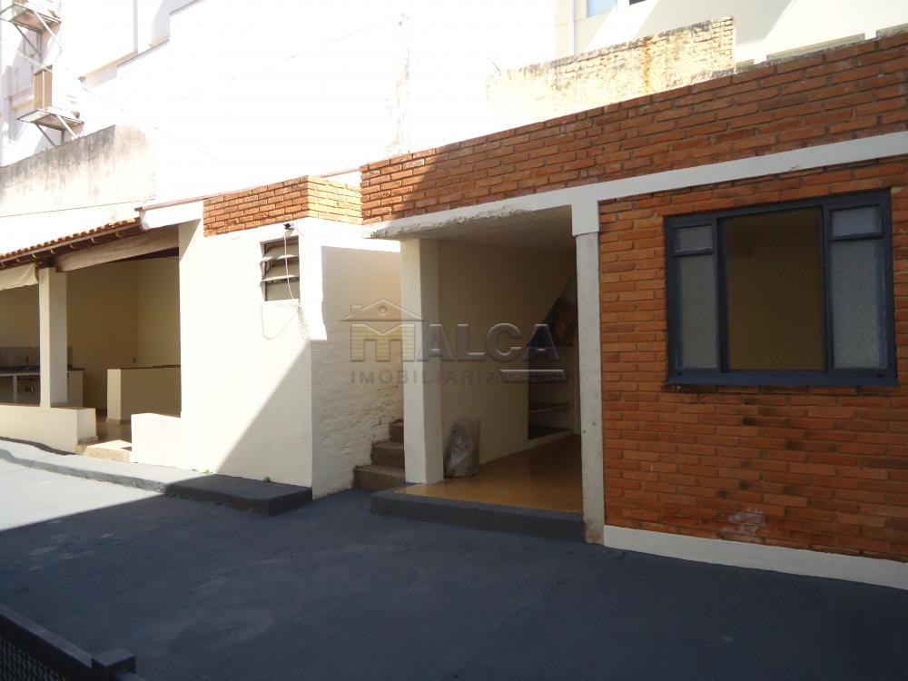 Alugar Casas / Padrão em São José do Rio Pardo R$ 2.000,00 - Foto 38