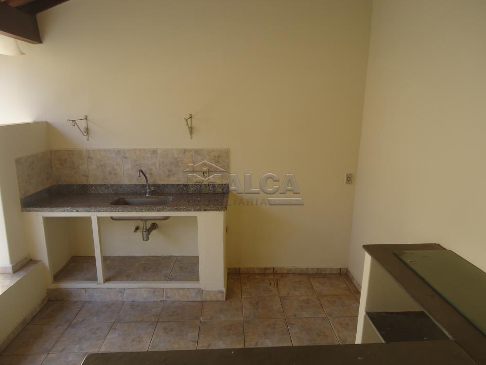 Alugar Casas / Padrão em São José do Rio Pardo R$ 2.000,00 - Foto 48