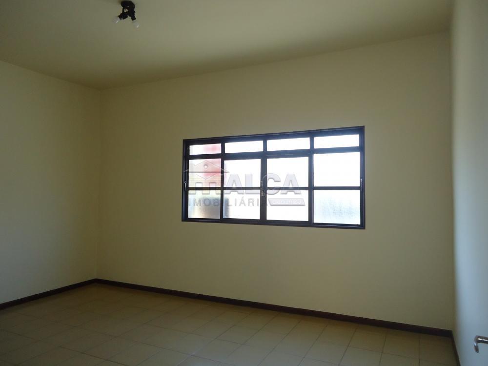 Alugar Casas / Padrão em São José do Rio Pardo R$ 2.000,00 - Foto 5