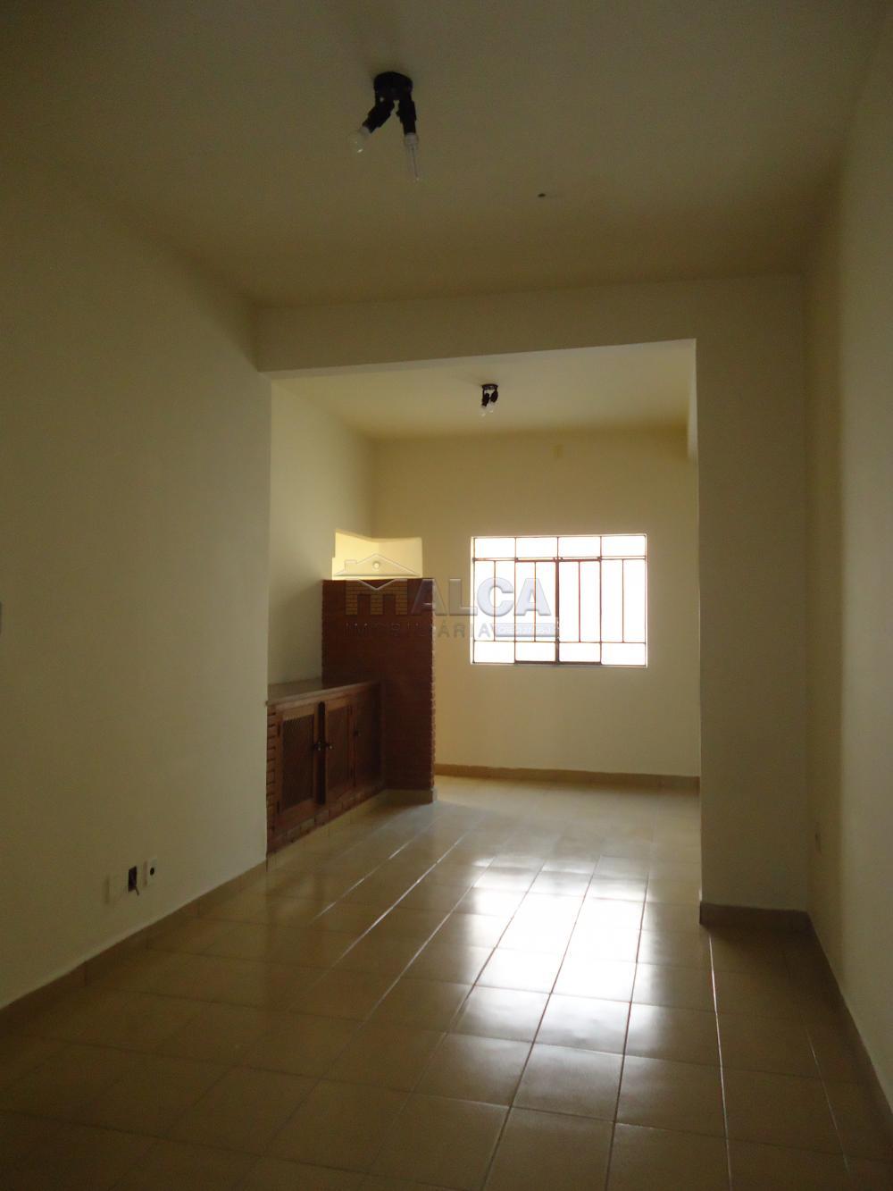 Alugar Casas / Padrão em São José do Rio Pardo R$ 2.000,00 - Foto 14