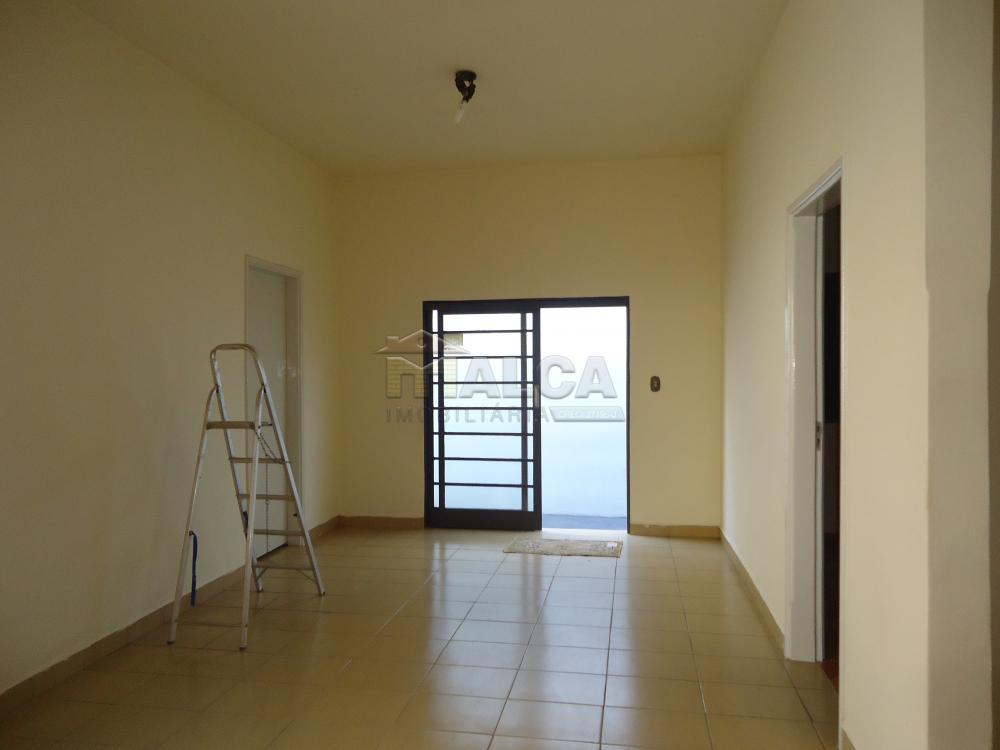 Alugar Casas / Padrão em São José do Rio Pardo R$ 2.000,00 - Foto 17