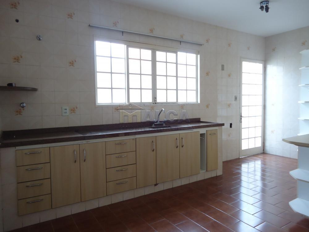 Alugar Casas / Padrão em São José do Rio Pardo R$ 1.300,00 - Foto 26