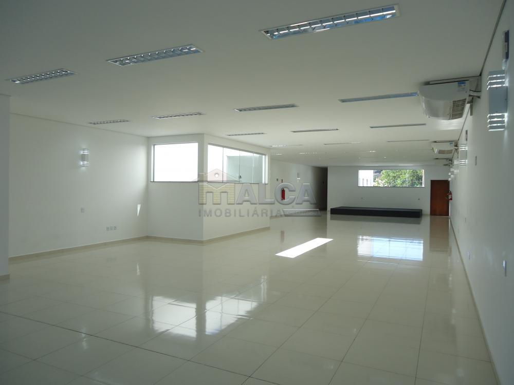 Alugar Comerciais / Salões em São José do Rio Pardo apenas R$ 7.800,00 - Foto 3