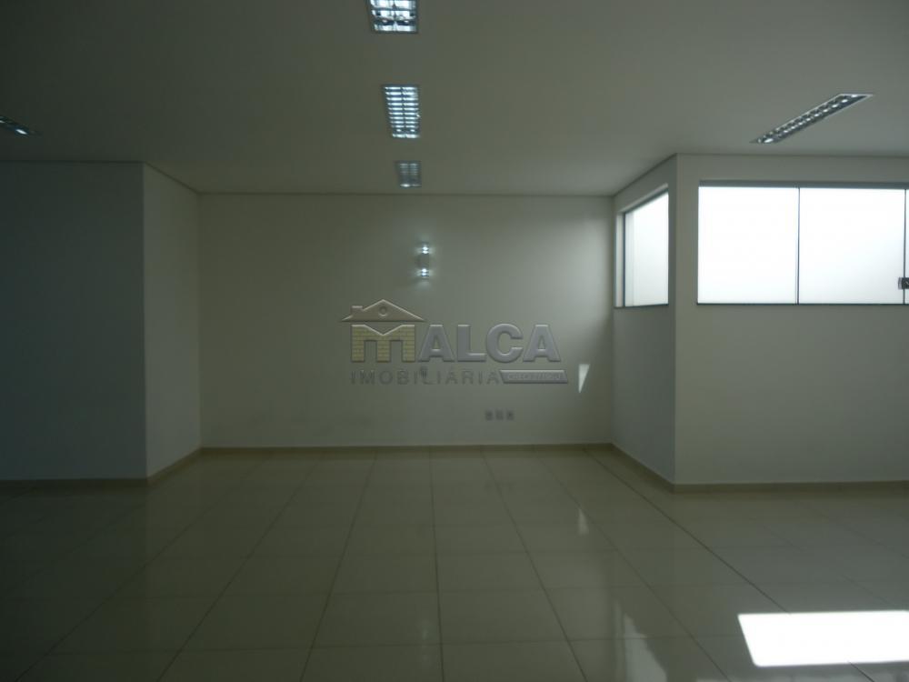 Alugar Comerciais / Salões em São José do Rio Pardo apenas R$ 7.800,00 - Foto 4