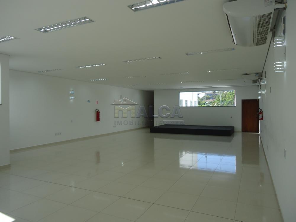 Alugar Comerciais / Salões em São José do Rio Pardo apenas R$ 7.800,00 - Foto 8