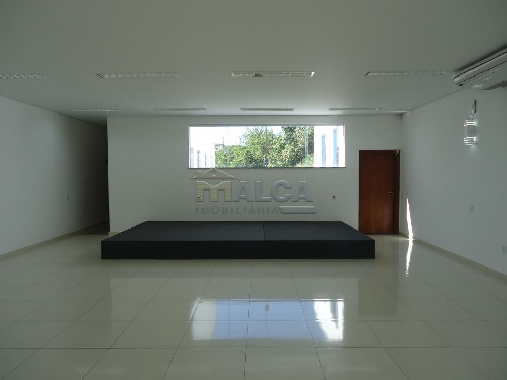 Alugar Comerciais / Salões em São José do Rio Pardo apenas R$ 7.800,00 - Foto 9
