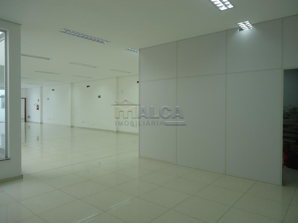 Alugar Comerciais / Salões em São José do Rio Pardo apenas R$ 7.800,00 - Foto 24