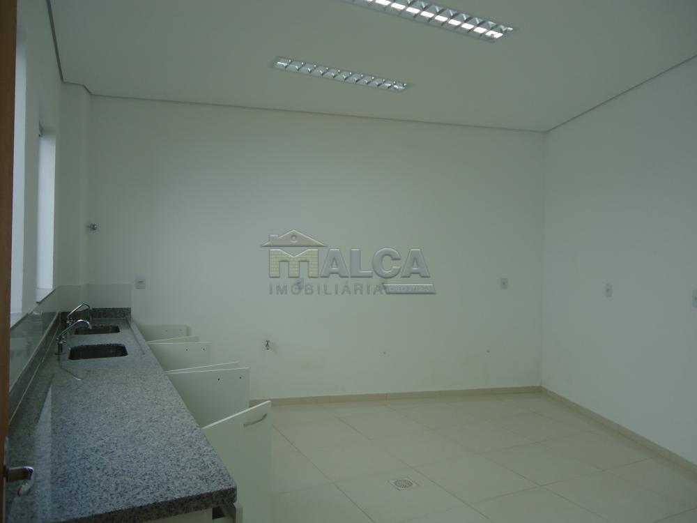Alugar Comerciais / Salões em São José do Rio Pardo apenas R$ 7.800,00 - Foto 33