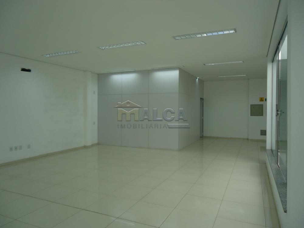 Alugar Comerciais / Salões em São José do Rio Pardo apenas R$ 7.800,00 - Foto 28