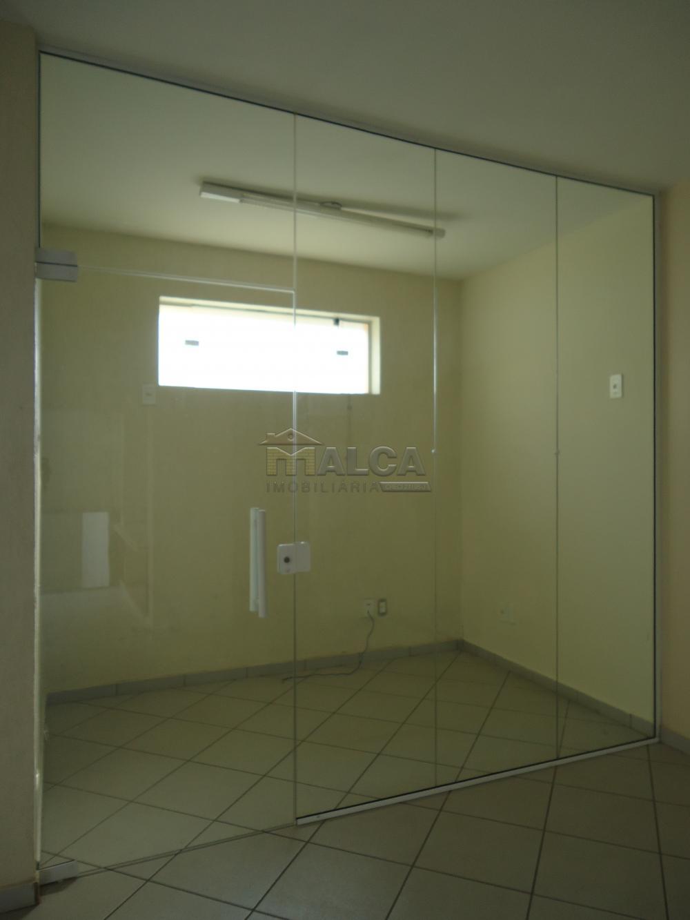 Alugar Comerciais / Salas em São José do Rio Pardo R$ 3.500,00 - Foto 13