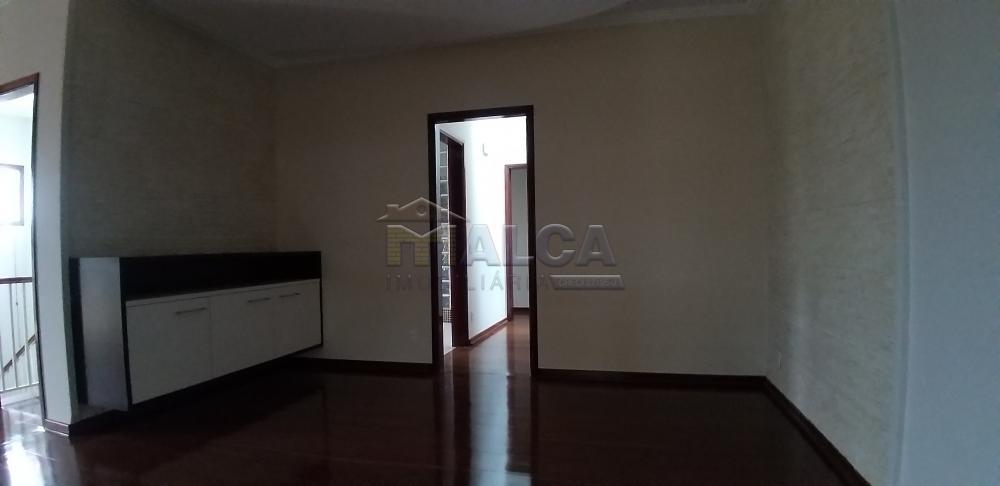 Comprar Casas / Sobrado em São José do Rio Pardo - Foto 8