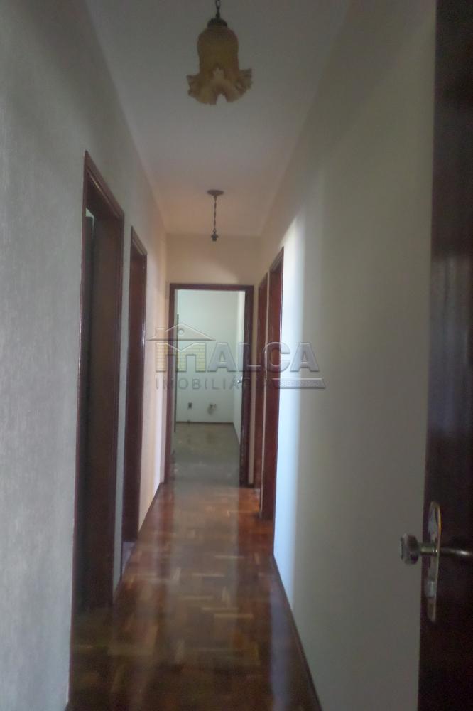 Alugar Casas / Padrão em São José do Rio Pardo apenas R$ 2.900,00 - Foto 8