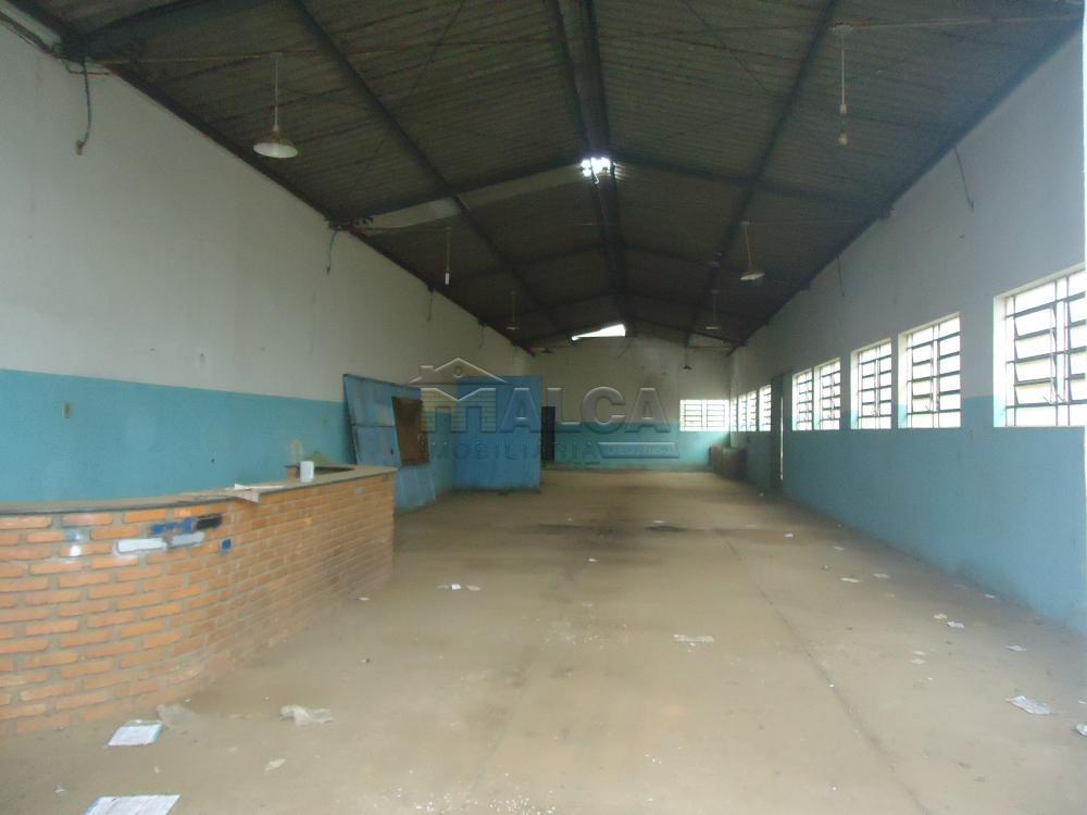 Alugar Comerciais / Barracões em São José do Rio Pardo apenas R$ 1.700,00 - Foto 2