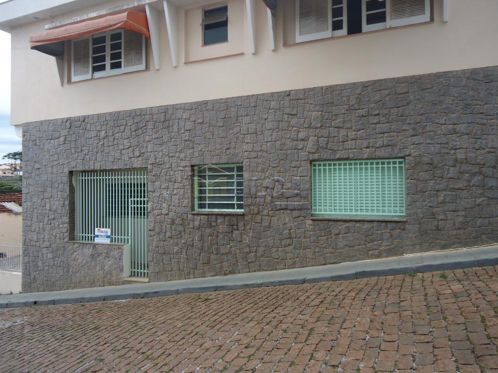 Alugar Casas / Padrão em São José do Rio Pardo R$ 1.120,00 - Foto 1