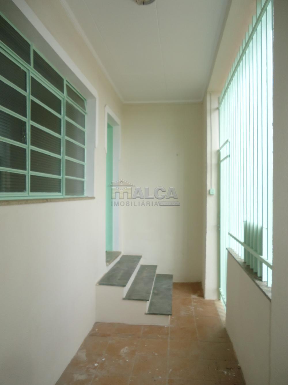 Alugar Casas / Padrão em São José do Rio Pardo R$ 1.120,00 - Foto 4