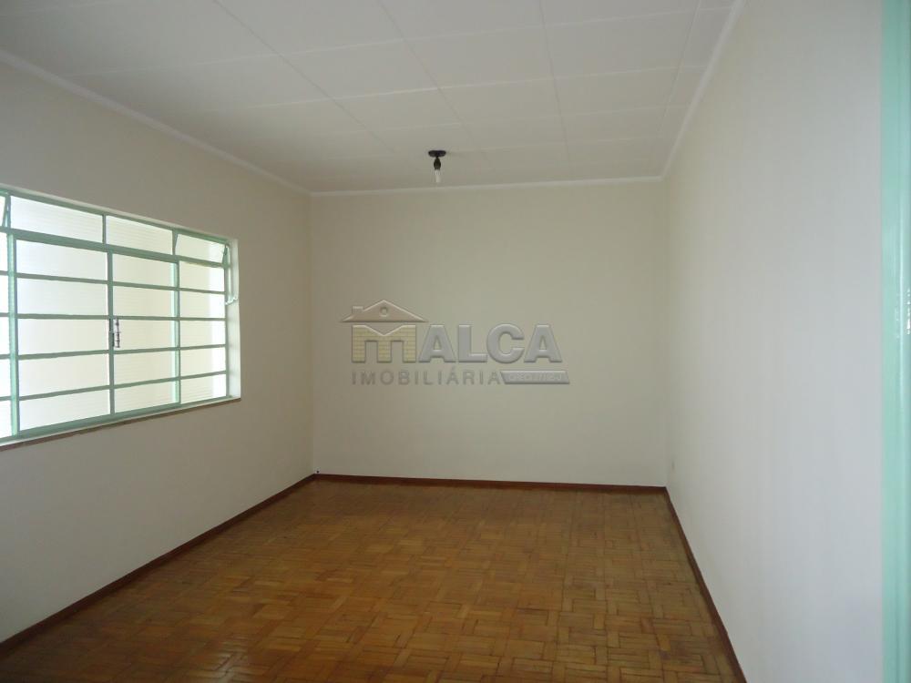 Alugar Casas / Padrão em São José do Rio Pardo R$ 1.120,00 - Foto 6