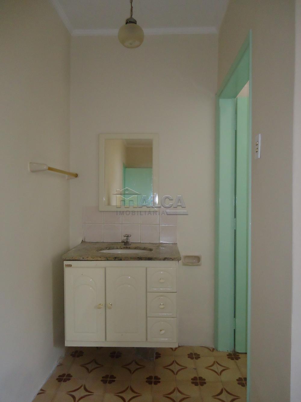 Alugar Casas / Padrão em São José do Rio Pardo R$ 1.120,00 - Foto 10