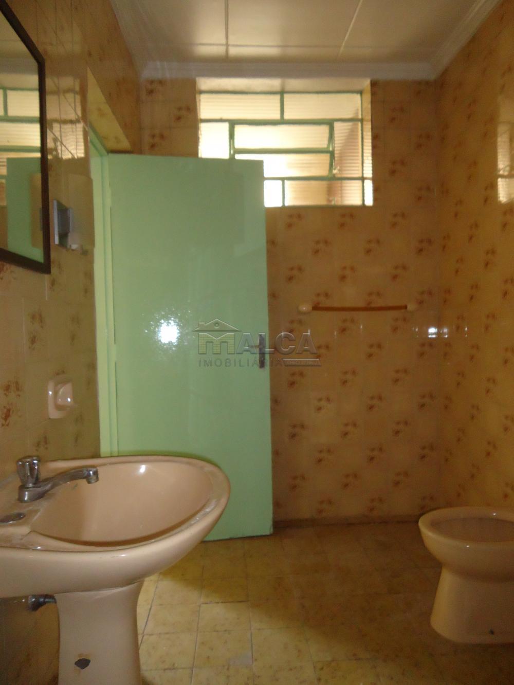 Alugar Casas / Padrão em São José do Rio Pardo R$ 1.120,00 - Foto 28