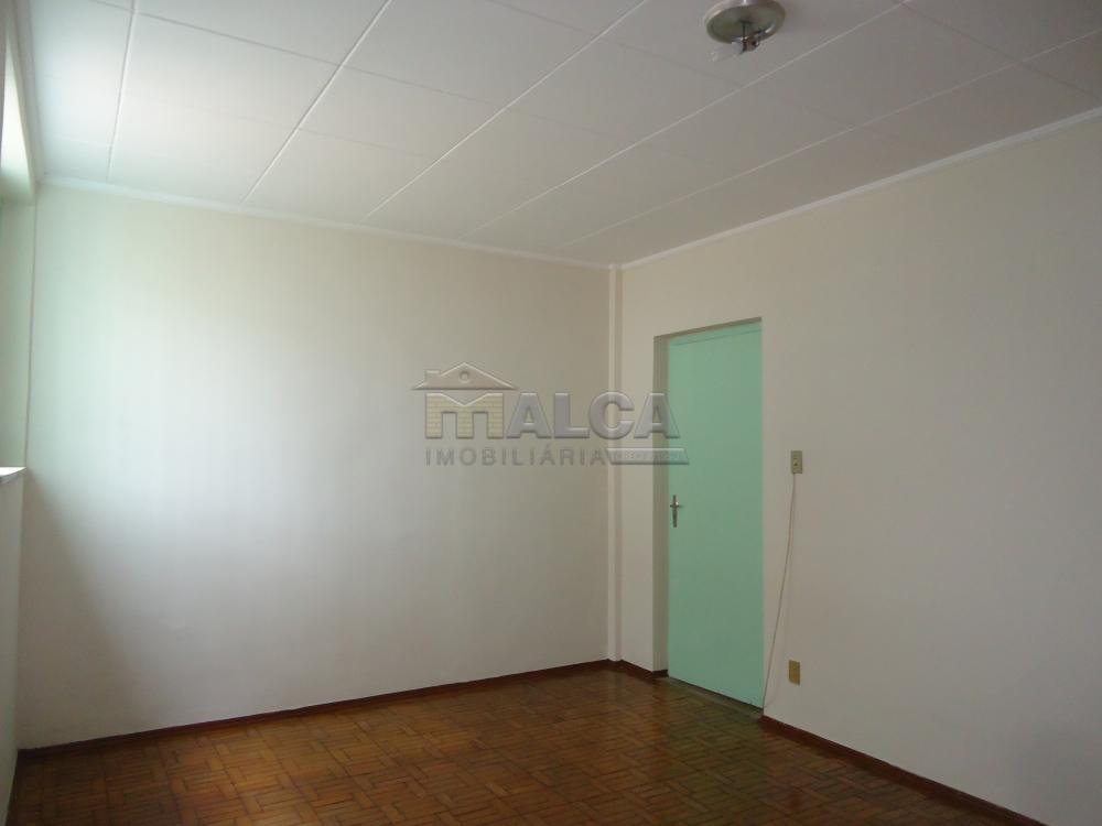 Alugar Casas / Padrão em São José do Rio Pardo R$ 1.120,00 - Foto 32