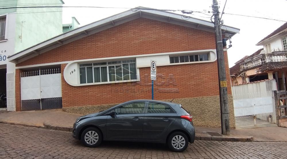 Comprar Casas / Padrão em São José do Rio Pardo R$ 350.000,00 - Foto 1