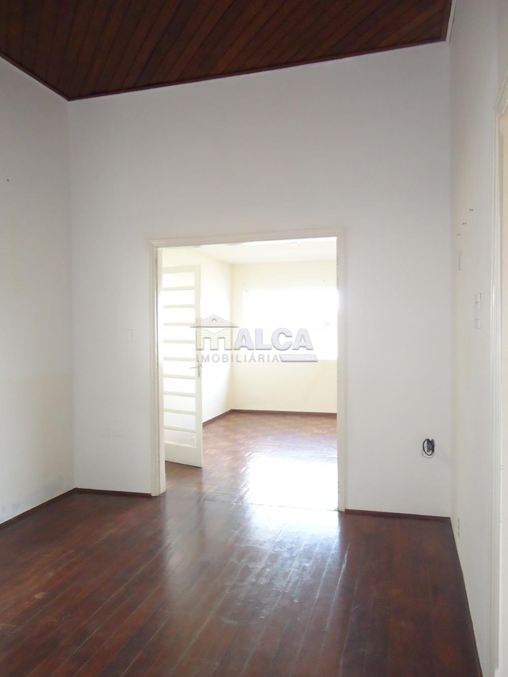 Alugar Casas / Padrão em São José do Rio Pardo R$ 1.700,00 - Foto 10