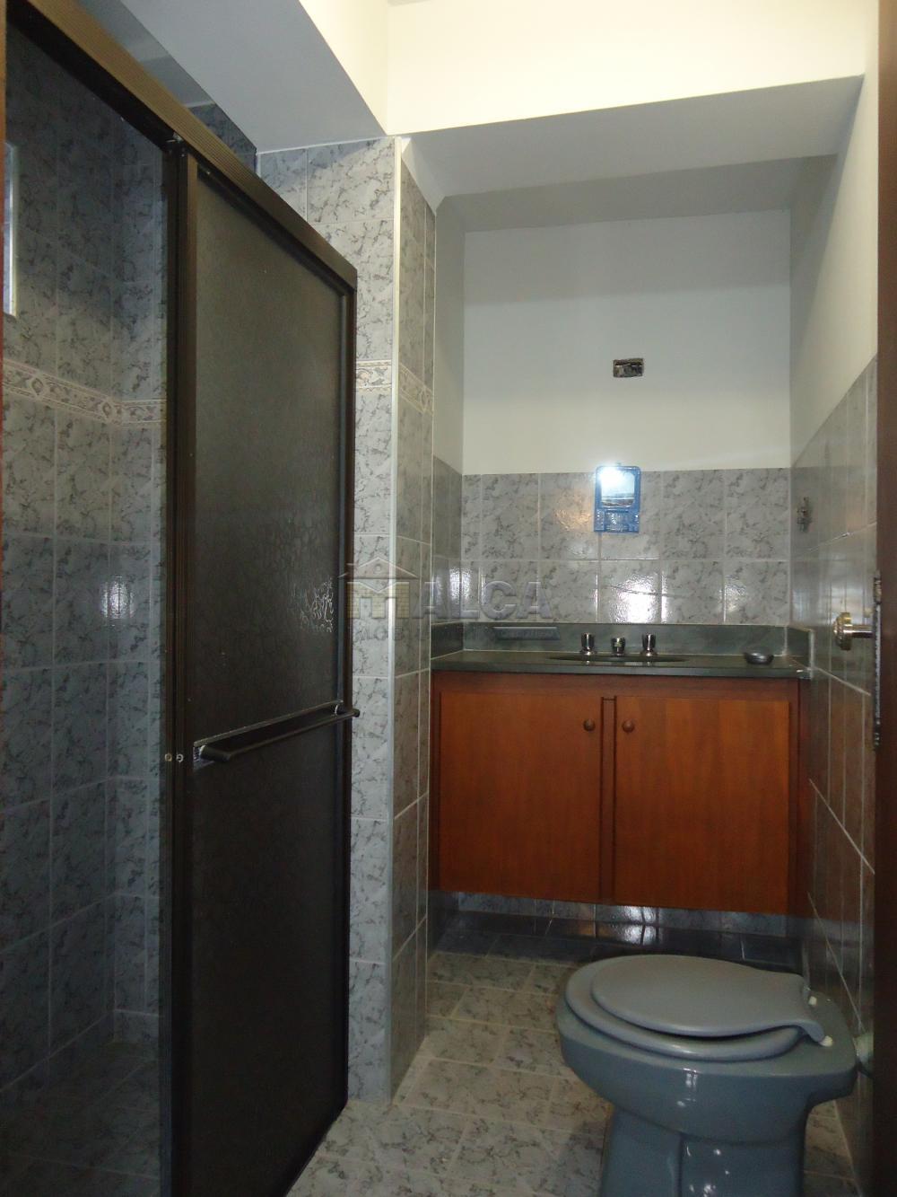 Banheiro (Casa de Baixo)