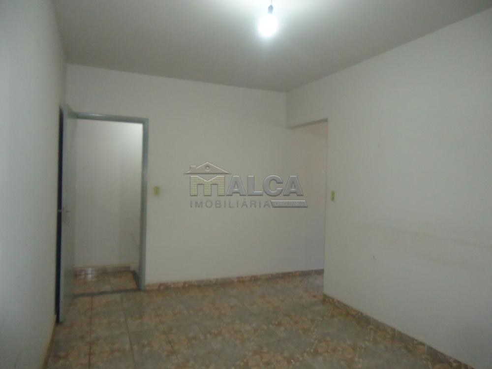 Alugar Casas / Padrão em São José do Rio Pardo apenas R$ 670,00 - Foto 19