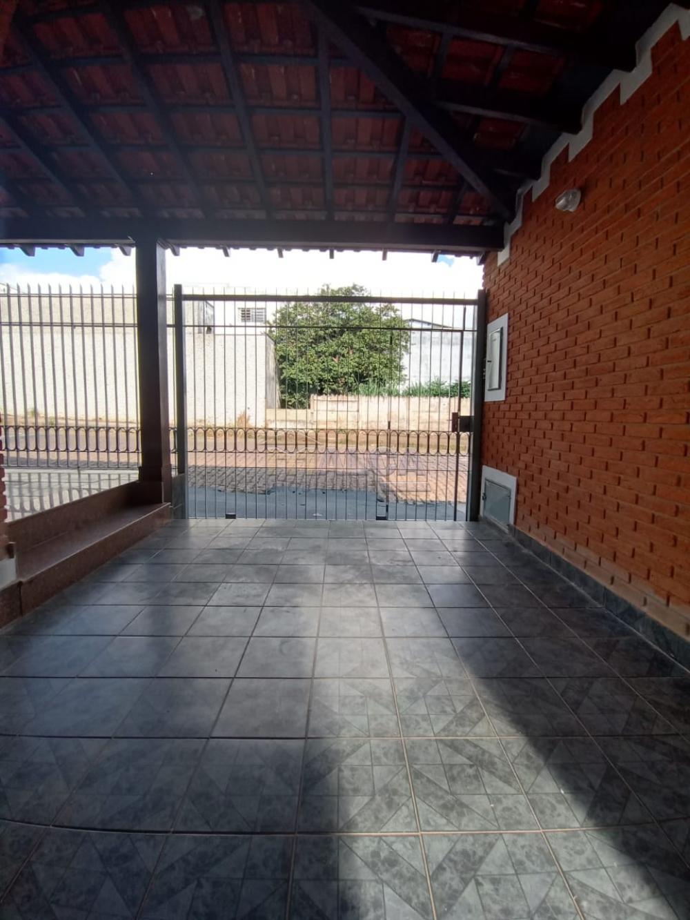 Alugar Casas / Padrão em São José do Rio Pardo apenas R$ 2.500,00 - Foto 2