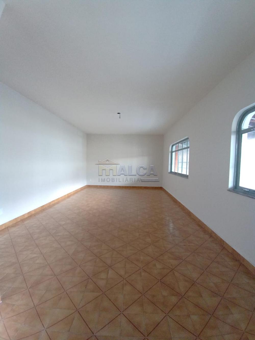 Alugar Casas / Padrão em São José do Rio Pardo apenas R$ 2.500,00 - Foto 6