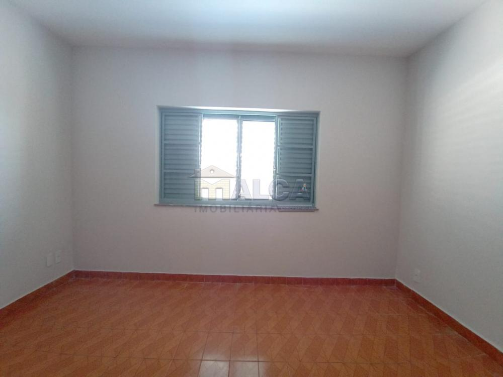 Alugar Casas / Padrão em São José do Rio Pardo apenas R$ 2.500,00 - Foto 12
