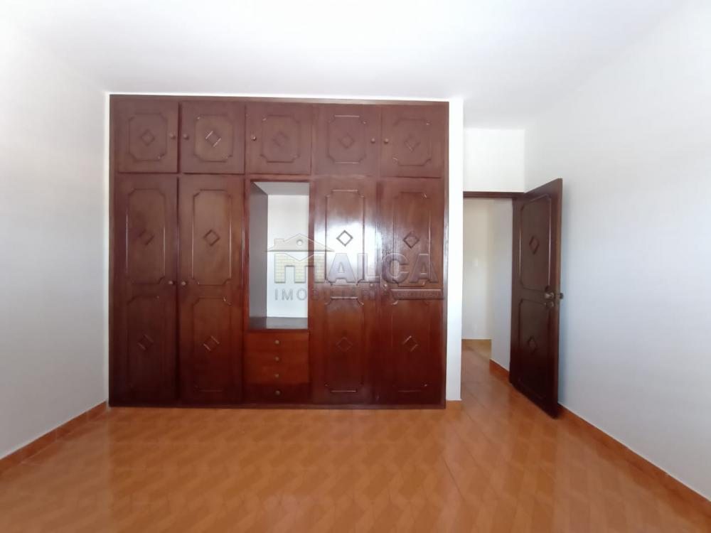 Alugar Casas / Padrão em São José do Rio Pardo apenas R$ 2.500,00 - Foto 13