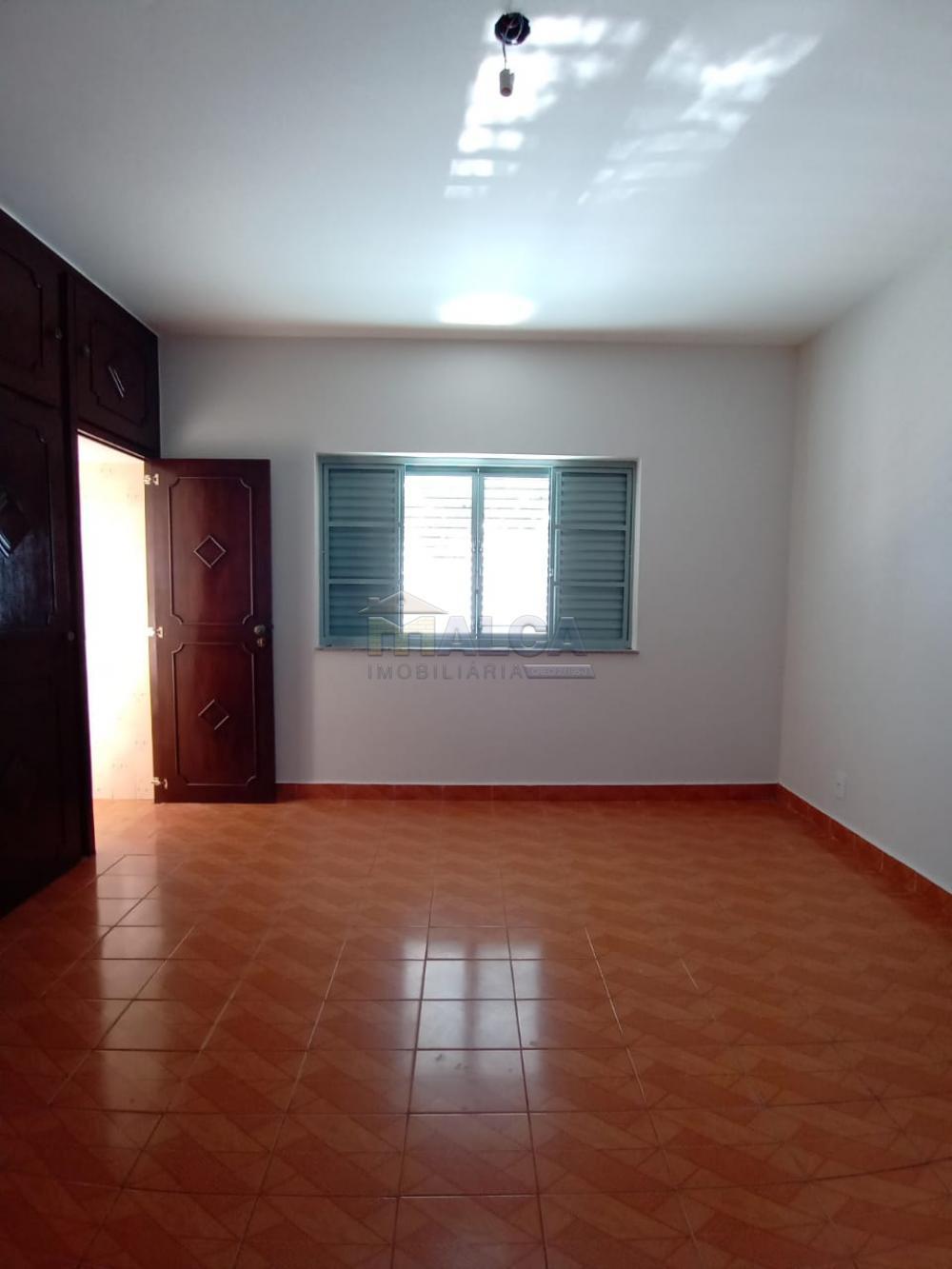 Alugar Casas / Padrão em São José do Rio Pardo apenas R$ 2.500,00 - Foto 14