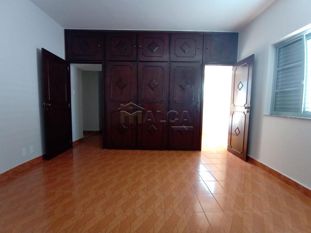 Alugar Casas / Padrão em São José do Rio Pardo apenas R$ 2.500,00 - Foto 15