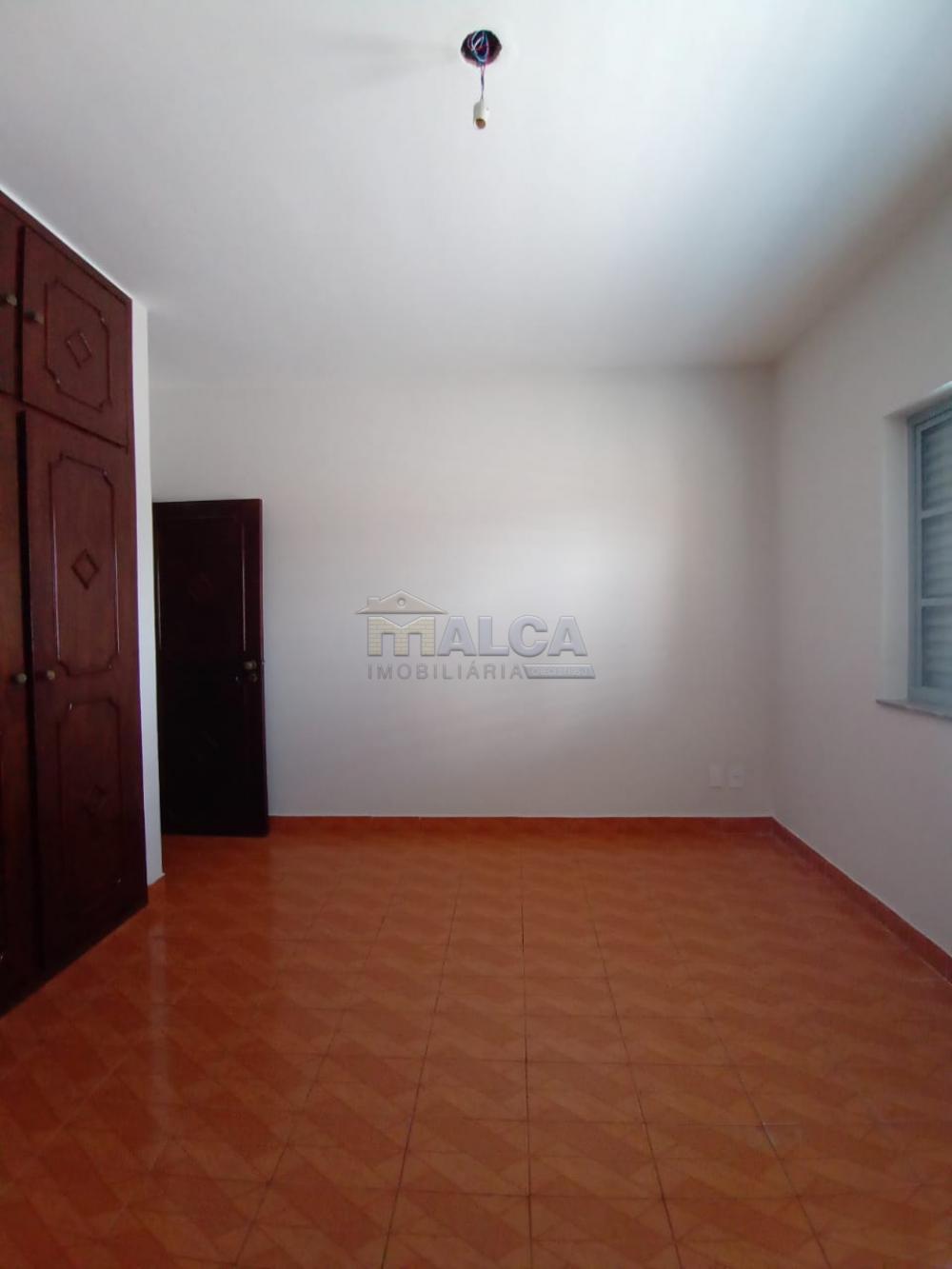 Alugar Casas / Padrão em São José do Rio Pardo apenas R$ 2.500,00 - Foto 17